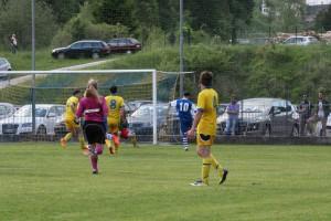 Uno dei due gol di Schiratti a Paularo (foto Cristy)